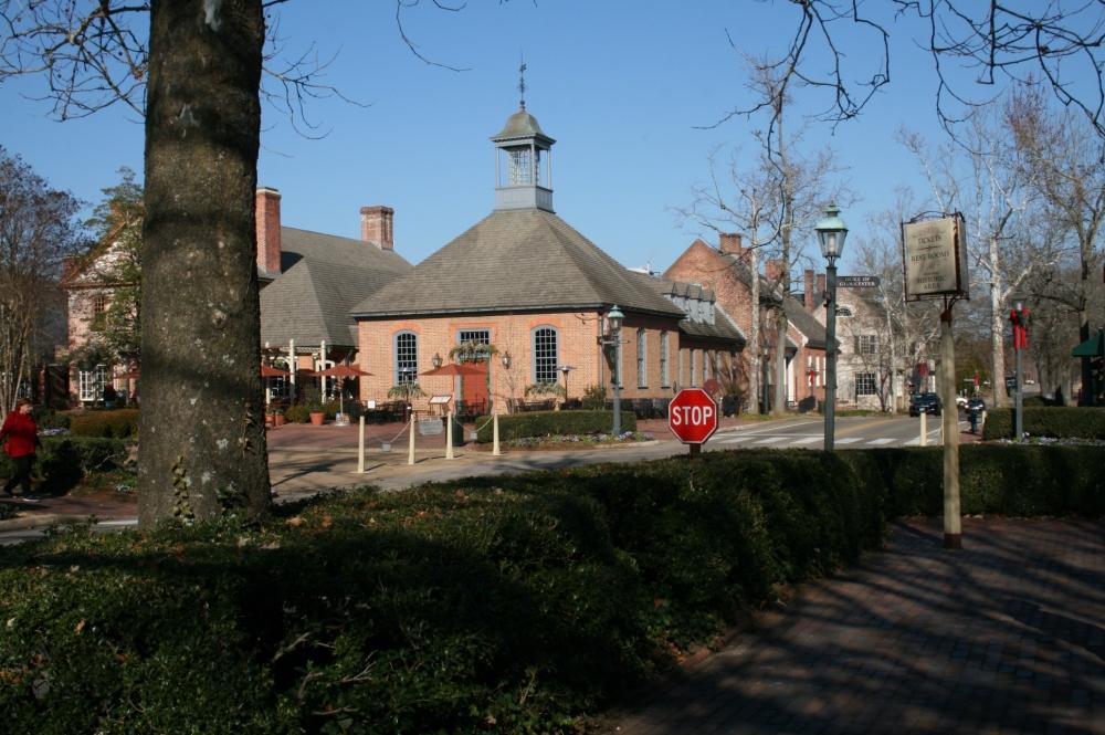 Colonial Williamsburg at Christmas (2/6)
