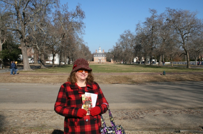 Here I am with the Governor's palace behind me. Don't judge my purse not matching-lol